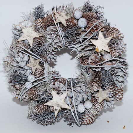 Birch Star & Fruit Wreath 'Frosted Grey' 30cm